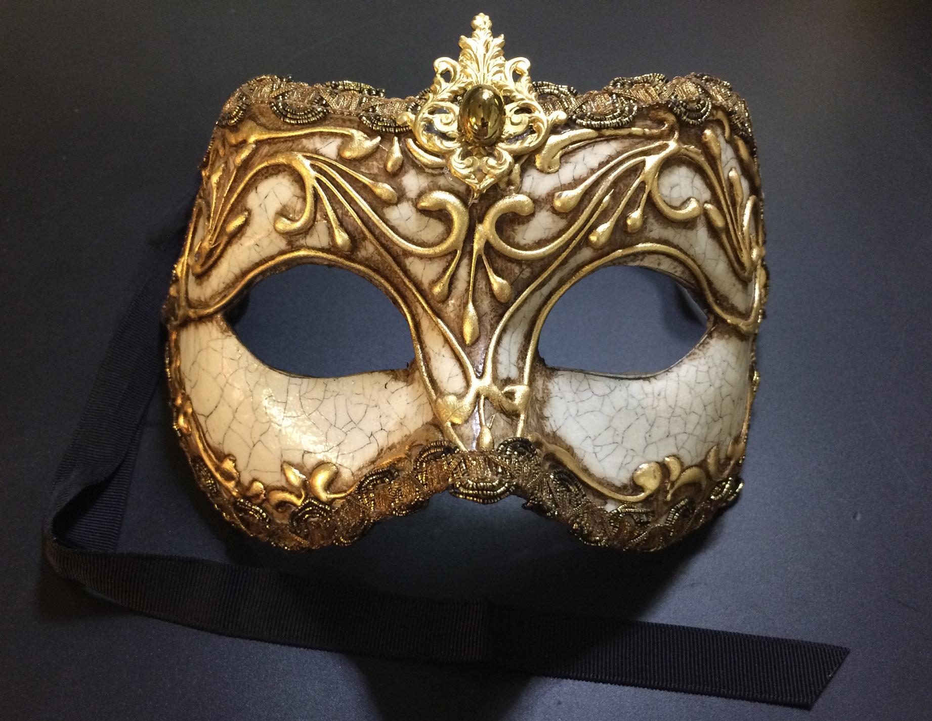 Columbina Stucco Mask